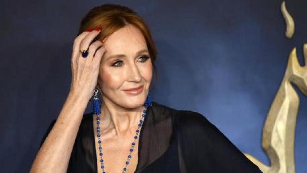 """Harry Potter addio, il nuovo libro di J.K Rowling sarà """"Il Maialino di Natale"""", uscirà a ottobre nel mondo"""