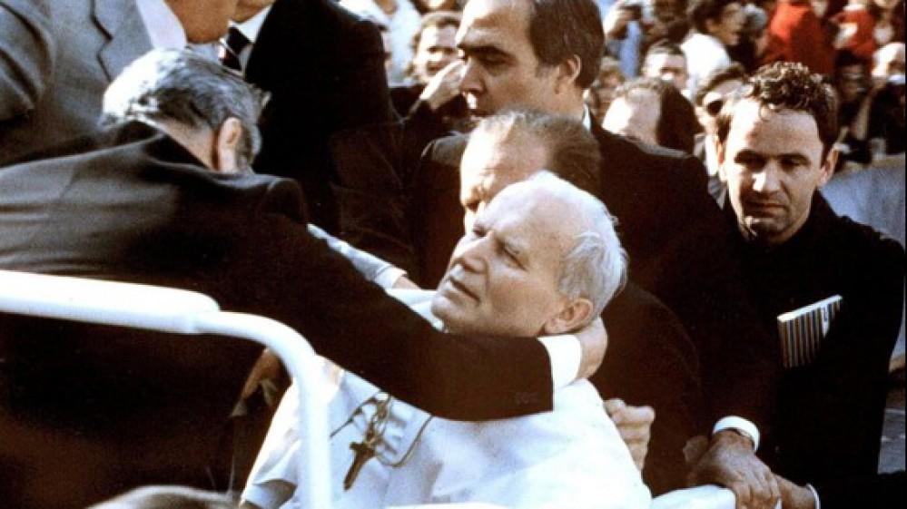 Il 13 maggio del 1981, l' attentato a Giovanni Paolo II; quarant'anni dopo, ancora senza una verità certa