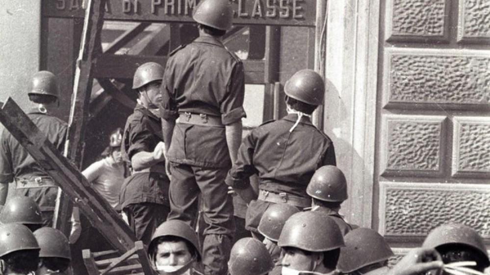 Il 2 agosto 1980 l'attentato sanguinario alla stazione di Bologna. Mattarella, non tutte le ombre dissipate