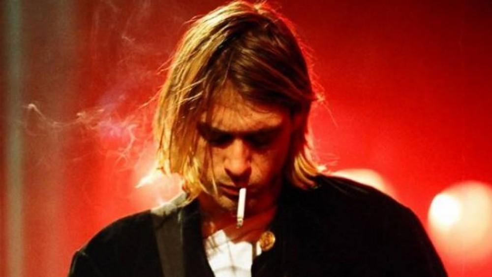 Il giallo della morte di Kurt Cobain, quel fucile senza impronte e un testamento scomodo