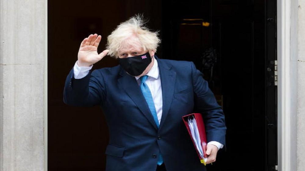 Retromarcia di Boris Johnson, il premier inglese farà la quarantena dopo un contatto con un positivo