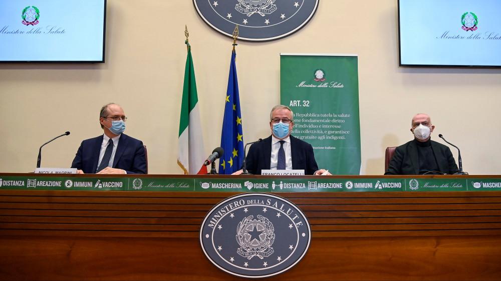 Il vaccino Astrazeneca sarà impiegato in Italia per immunizzare gli over 60, da ridefinire la campagna vaccinale
