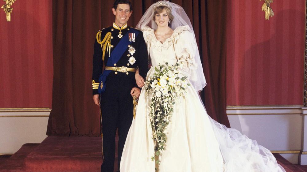 Il vestito da sposa di Lady Diana sarà esposto a Londra, da giugno, in una mostra sulla moda dei reali inglesi