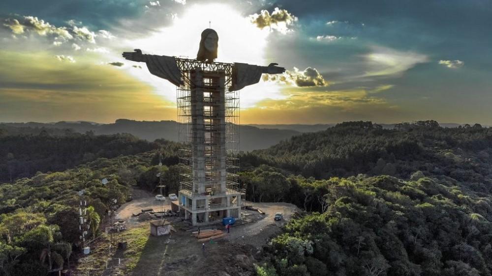 In Brasile è in costruzione un'enorme statua di Gesù Cristo, ancora più alta di quella di Rio De Janeiro