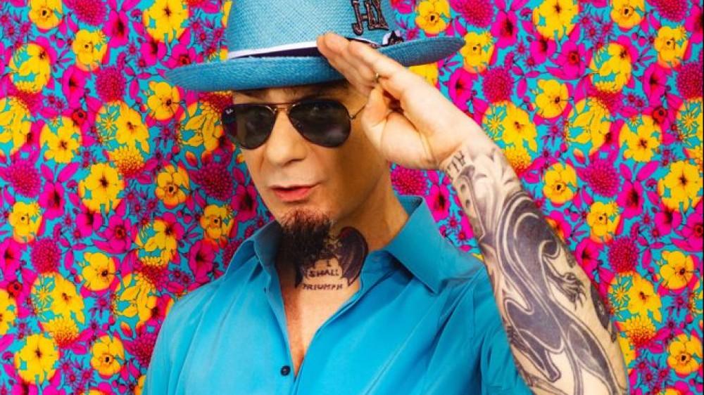 """J-Ax in """"Password"""" su RTL 102.5. il nuovo singolo """"Salsa"""" ed è subito estate"""