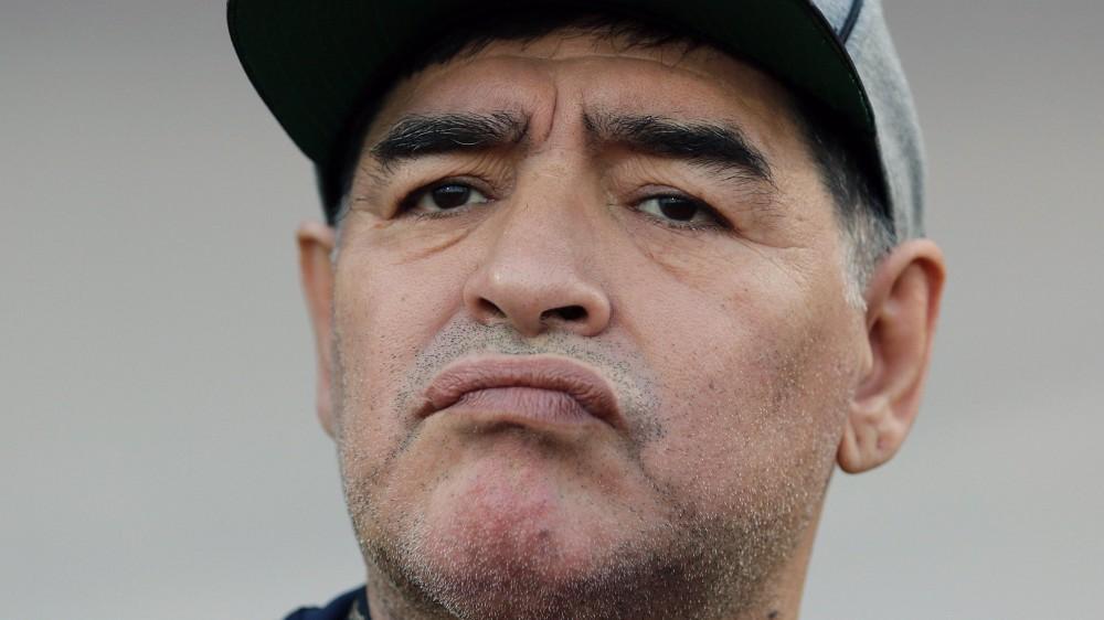 La morte di Maradona, sette accuse per omicidio volontario, tra cui il neurochirurgo che lo aveva operato