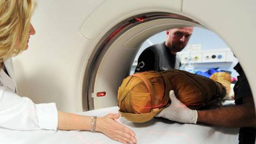La mummia di Ankekhonso, risalente al 900 a.C, sottoposta a  TAC, l'esperimento potrà dare indicazioni mediche