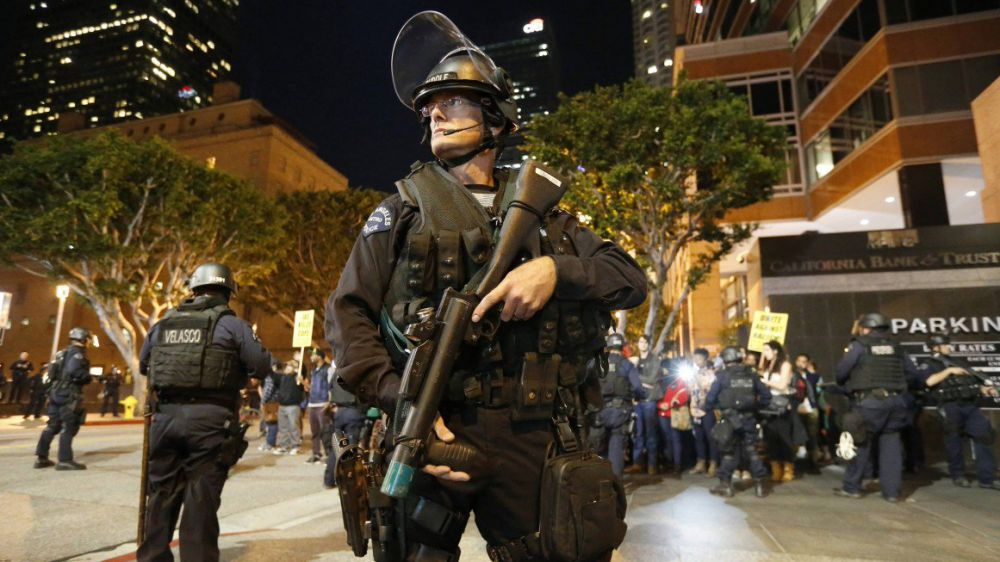 La polizia americana spara, uccide e imprigiona più persone degli altri paesi al mondo