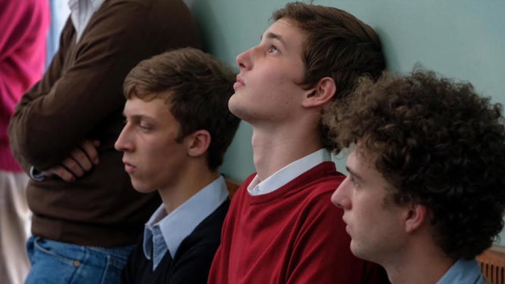 La scuola cattolica: un film urgente e necessario che però sfrutta male il mezzo cinematografico