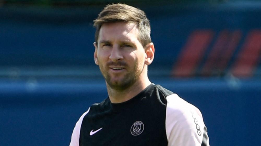 La stampa francese diffonde i particolari del contratto faraonico di Messi con il Psg, verrà pagato anche con criptovalute