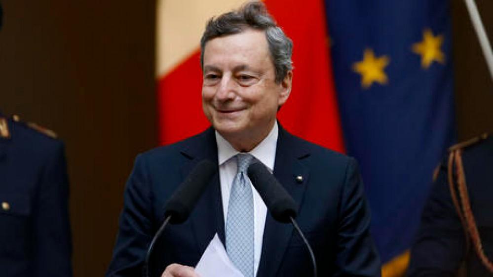 """L'appello di Draghi agli italiani """"Vaccinatevi e rispettate le regole"""". Il saluto prima della pausa estiva"""