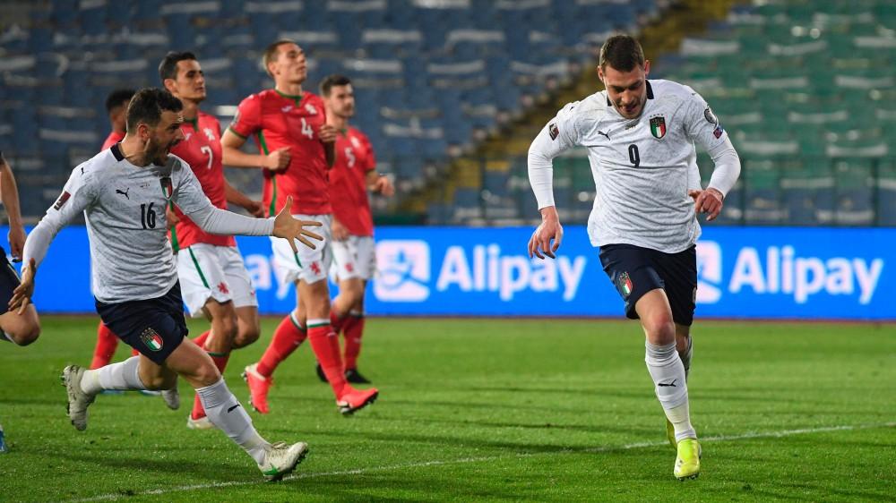 L'Italia viaggia verso il Mondiale, gli azzurri vincono 2-0 in Bulgaria, gol di Belotti e Locatelli