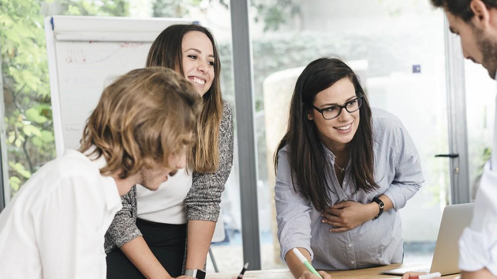 Le carriere delle donne sono frenate dalla disparità di legittimazione sul lavoro, lo dice una ricerca di Linkedin