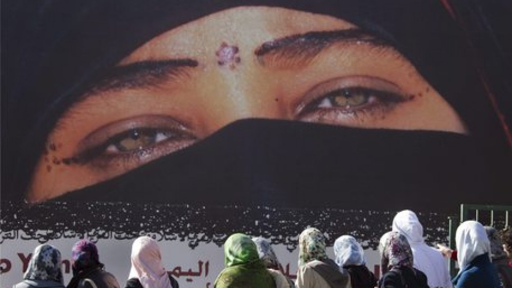 Le drammatiche testimonianze dall'Afghanistan. Donne picchiate e giovani frustati. I talebani, se gli Usa resteranno oltre il 31 agosto, reagiremo