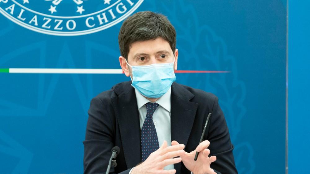 Ministro Speranza, prima dose di vaccino anti-covid ad un terzo dei cittadini italiani, 28 milioni di somministrazioni
