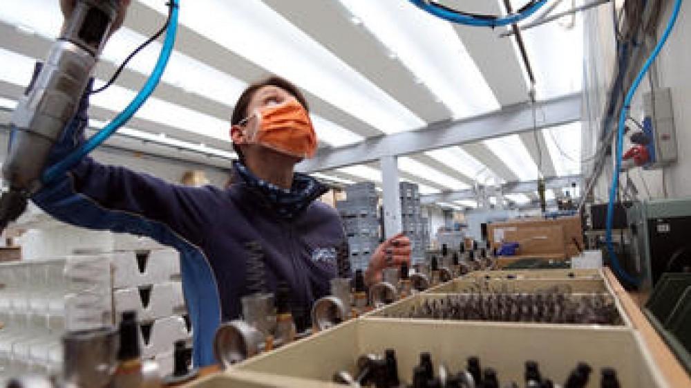 Per gli italiani crisi e smart working, durante la pandemia, hanno aumentato il livello di soddisfazione del proprio stipendio