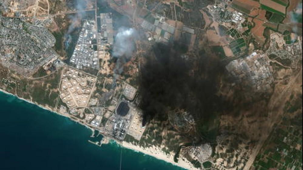 Ancora violenze in Medio Oriente: pioggia di razzi su Tel Aviv, è strage a Gaza. L'appello del Papa