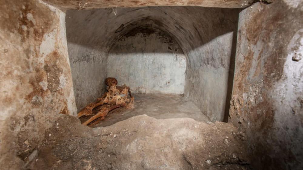 Nuova scoperta straordinaria a Pompei, trovata tomba unica con un corpo semi mummificato