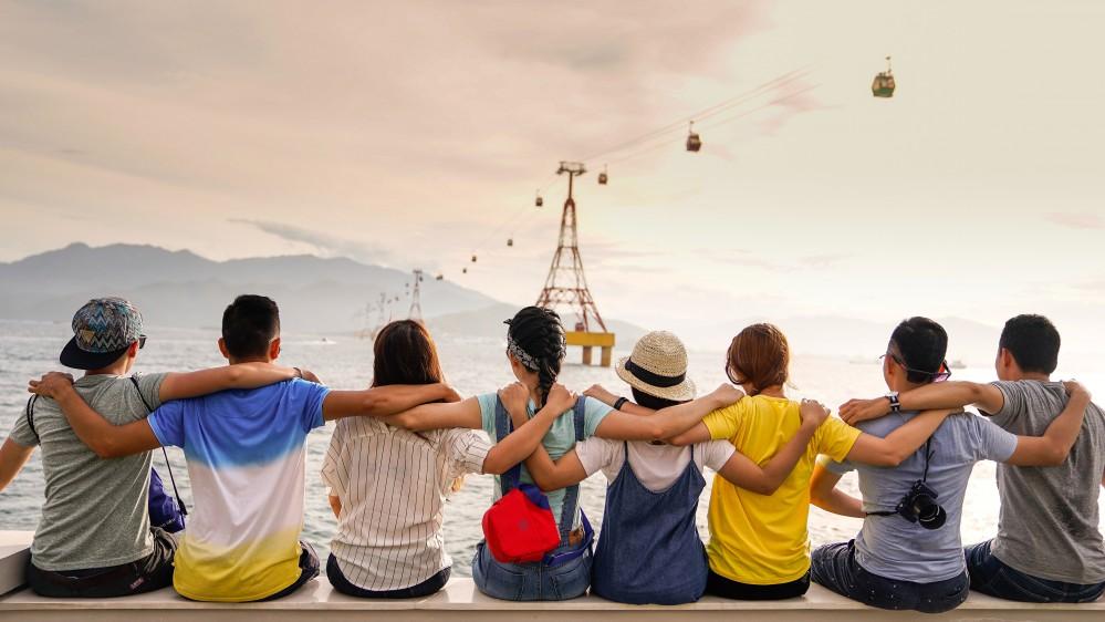 Oggi è la giornata mondiale dell'amicizia, quante relazioni riesce a mantenere il nostro cervello?