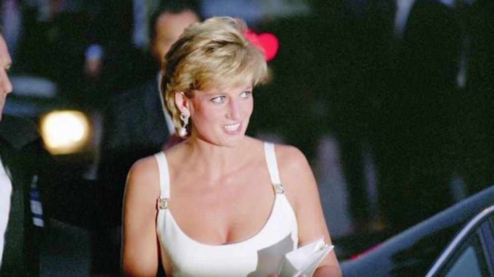 Oggi lady Diana avrebbe compiuto sessant'anni; con una statua nei giardini di Kensington, l'omaggio dei figli
