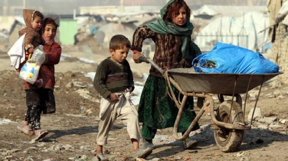 Onu, in Afghanistan sei sfollati su dieci sono bambini. Merkel, dialogare con i talebani per preservare i civili
