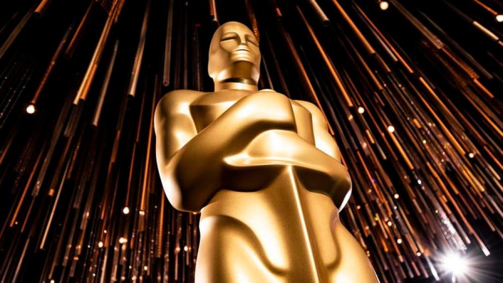 Oscar senza film in sala, è caccia allo streaming per vedere i film; Nomadland inedito in Italia