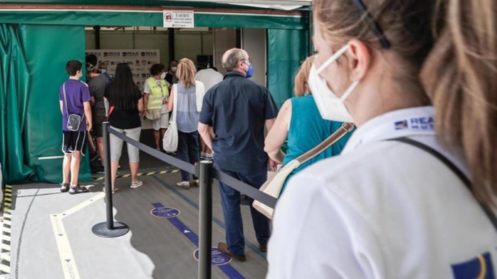 Palazzo Chigi, 73 milioni di dosi di vaccino somministrate. Avanti tutta con la campagna di vaccinazione anche a Ferragosto