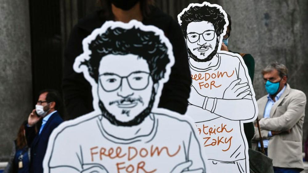 Patrick Zaki resta ancora in carcere, udienza rinviata al 28 settembre