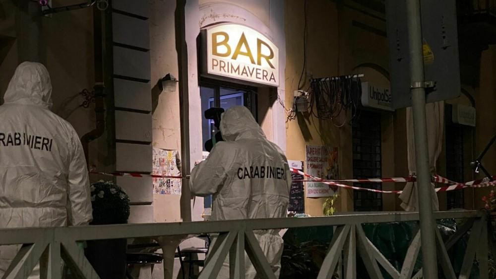 Pinerolo, donna uccisa a coltellate in un bar, ferite due amiche, arrestato un marocchino