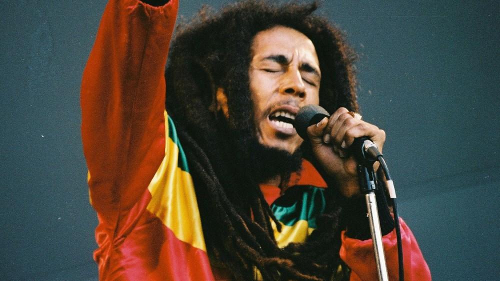 Quarant'anni fa la scomparsa di Bob Marley, il leone del reggae e del rastafarianesimo, sopravvissuto a un attentato