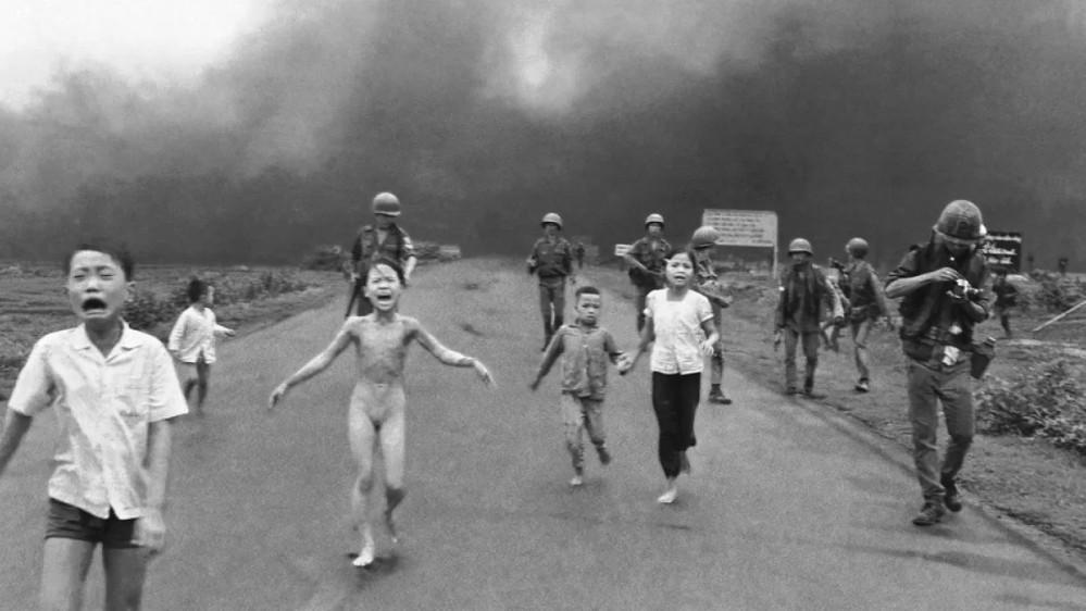 Quarantacinque anni fa finiva la guerra in Vietnam, il conflitto che fece nascere il movimento pacifista