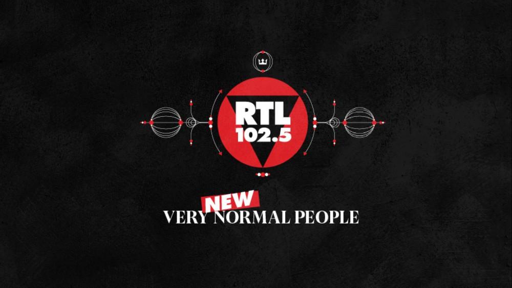 RTL 102.5, al via il secondo flight della campagna Very New Normal People