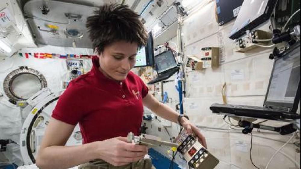 Samantha Cristoforetti guiderà Iss, la prima donna europea comandante della stazione spaziale