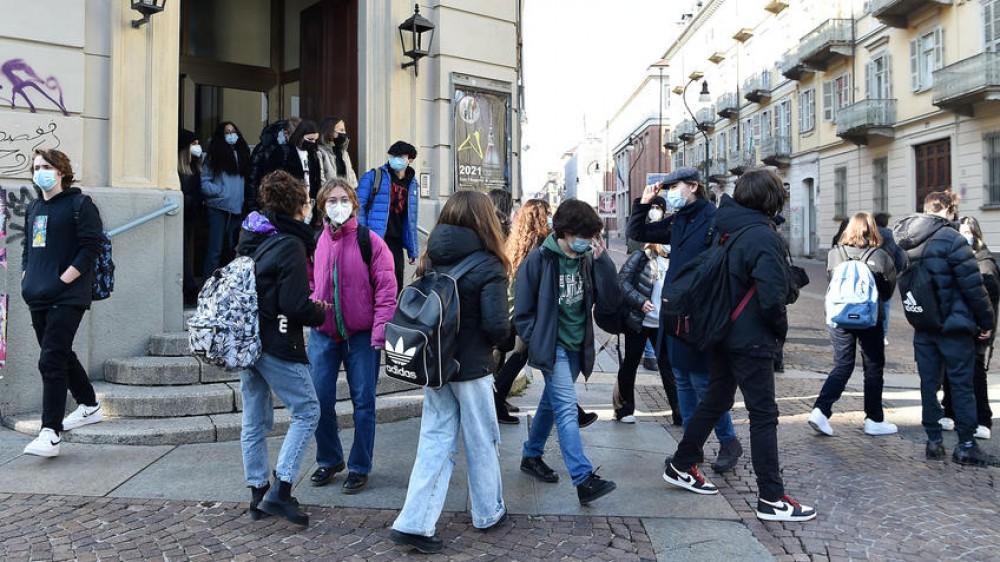 Scuola: al via in Alto Adige, in presenza e con la mascherina, e il decreto Green Pass arriva in Aula alla Camera