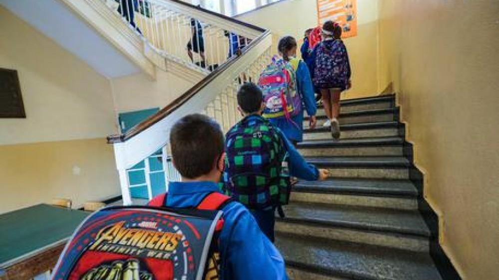 Scuola, al via le vacanze pasquali, tra una settimana tutti in aula fino alla prima media, anche in zona rossa
