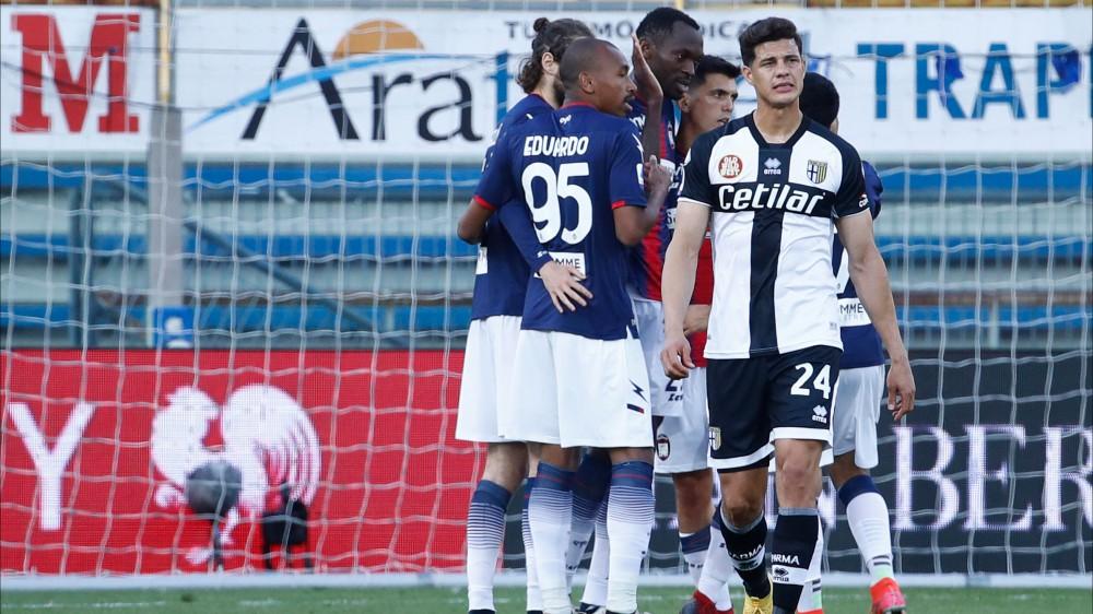 Serie A, Genoa-Spezia 2-0, Parma-Crotone 3-4, Sassuolo-Sampdoria 1-0