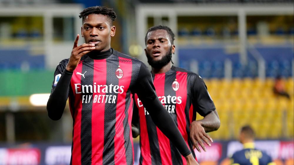 Serie A, il Milan batte il Parma 3-1 e consolida il secondo posto, lo Spezia batte il Crotone 3-2 in rimonta, Il Torino passa ad Udine 1-0