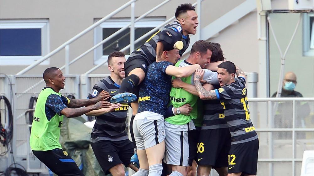 Serie A, Inter-Verona 1-0, Fiorentina-Juventus 1-1, Benevento-Udinese 2-4, Cagliari-Roma 3-2, Atalanta-Bologna 5-0