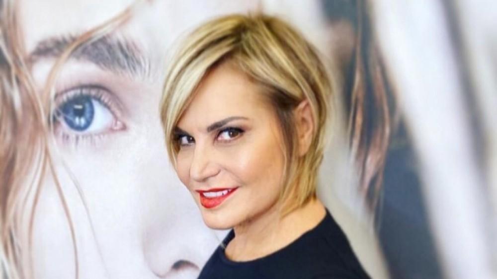 """Simona Ventura a RTL 102.5: """"Io  mi vaccinerò perché è giusto che torniamo a vivere"""""""