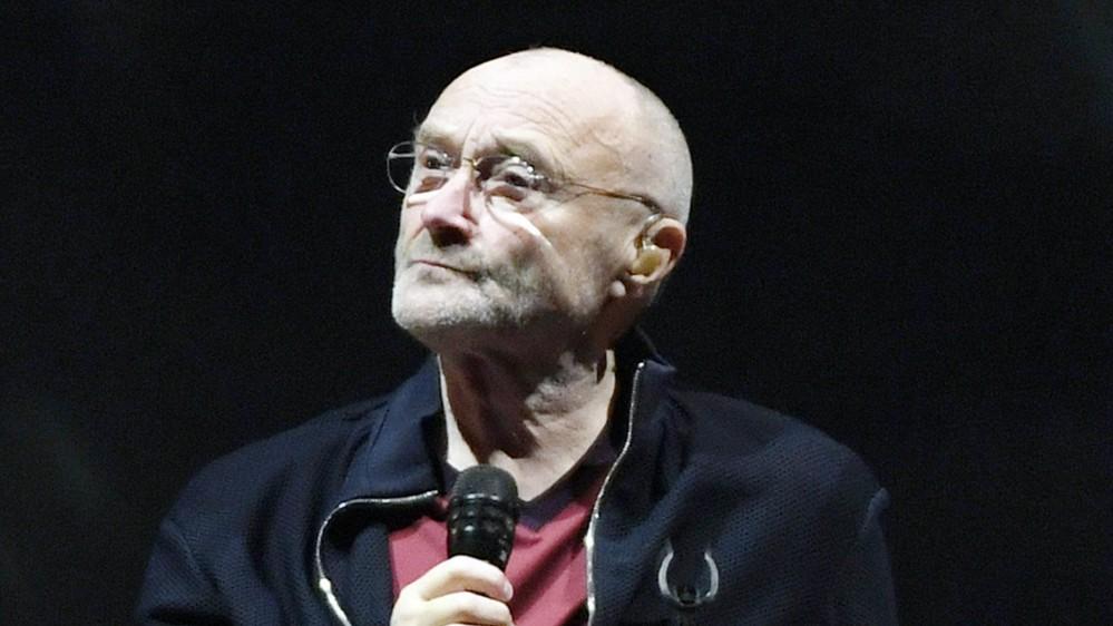 Sono peggiorate le condizioni di Phil Collins, il leader dei Genesis non riesce a tenere in mano le bacchette per suonare la batteria