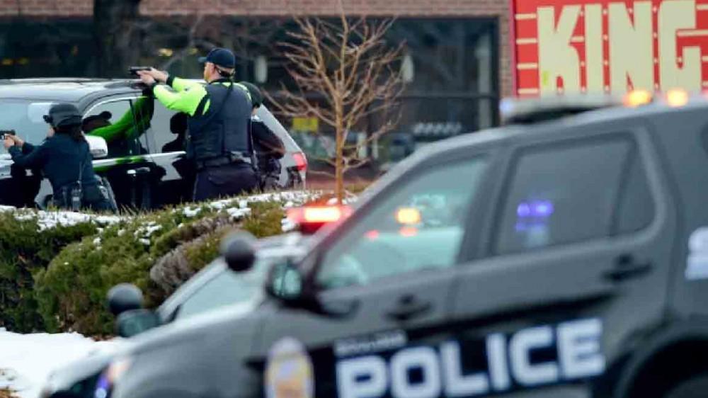 Sparatoria in un supermercato in Colorado, dieci persone sono state uccise, arrestato il presunto responsabile