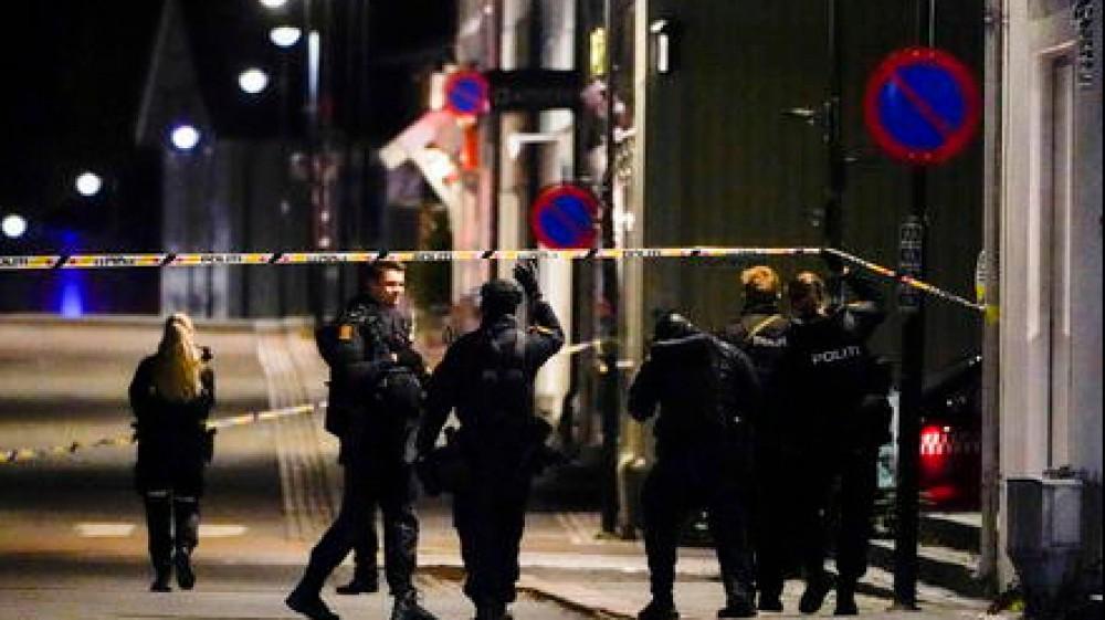 Strage in Svezia, almeno cinque morti, molti feriti, un uomo ha attaccato i passanti usando arco e frecce