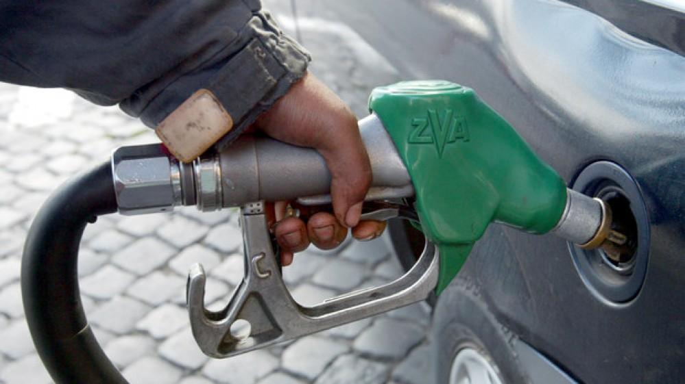 Svolta green per le automobili, nell'Unione Europea stop a benzina e diesel dal 2035