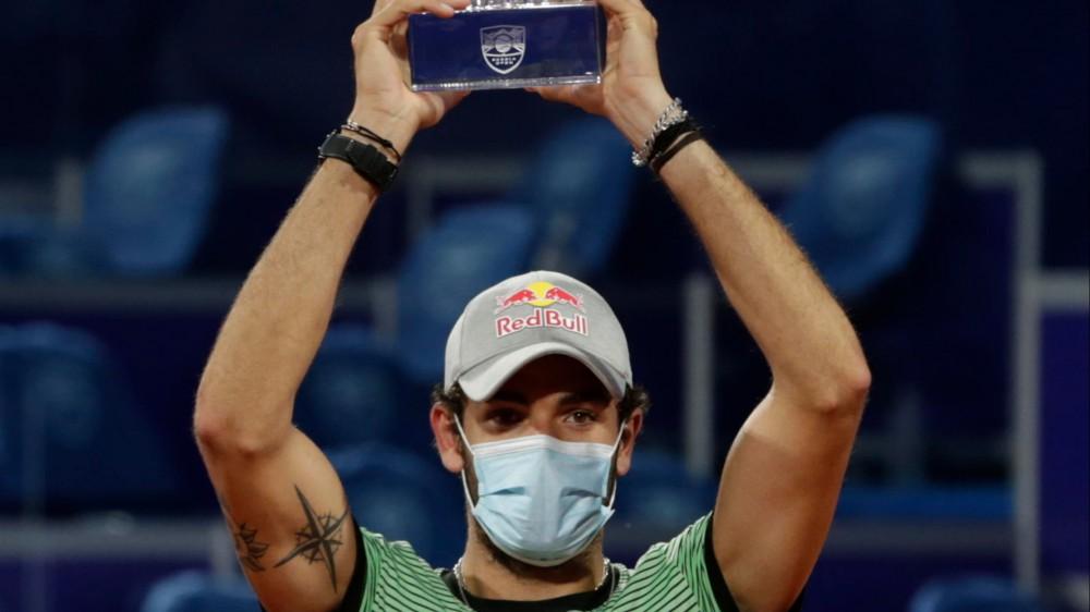Tennis, Berrettini c'è, incredibile vittoria a Belgrado con Karatsev in 3 set