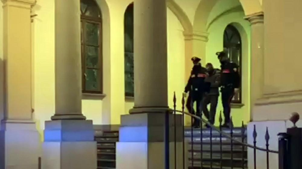 Torino, identificato l'assassino del 91enne trovato ucciso nel suo appartamento, è un senza fissa dimora