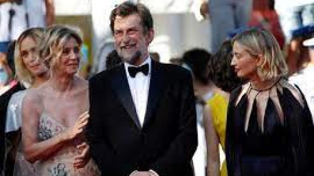 Tre piani  di  e con Nanni Moretti  è in uscita nelle sale cinematografiche, il film è stato in concorso a Cannes