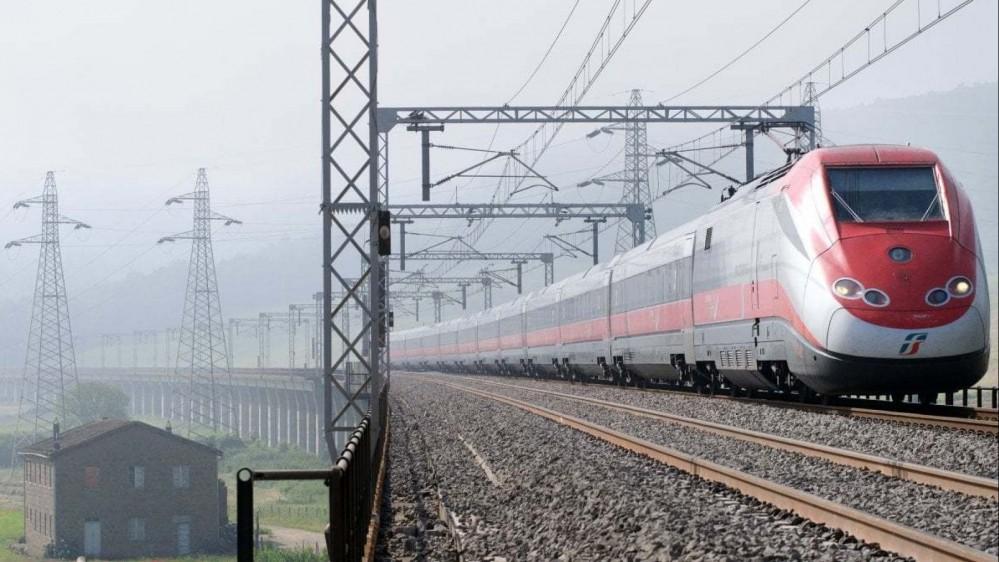 """Treno """"Covid-free"""" al via: si parte solo con tampone negativo"""