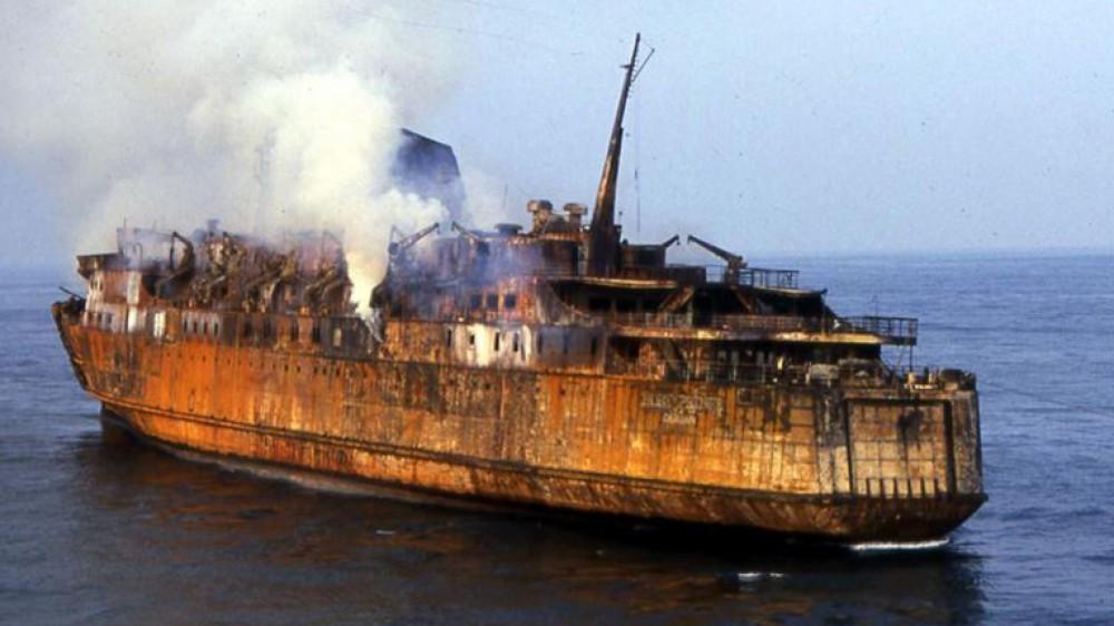 Trent'anni fa la strage della Moby Prince, nell'incendio del traghetto a Livorno morirono 140 persone