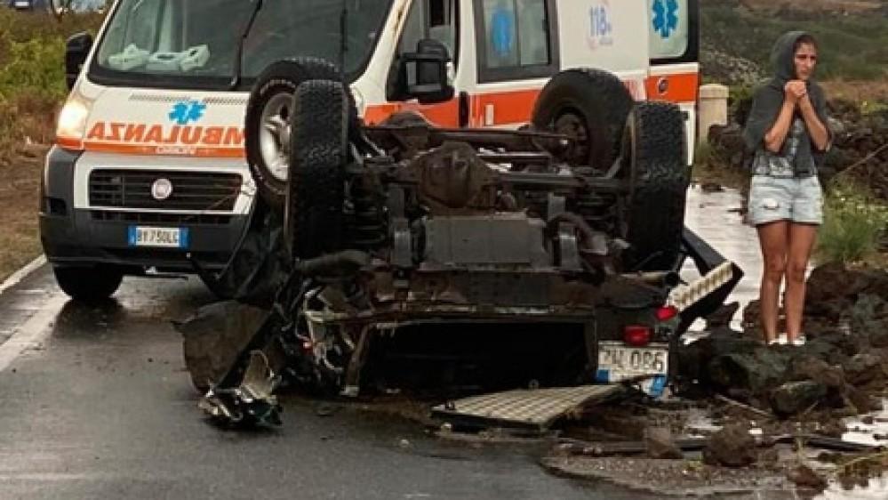 Tromba d'aria a Pantelleria, bilancio di almeno due morti e nove feriti, avvertita anche una scossa di terremoto