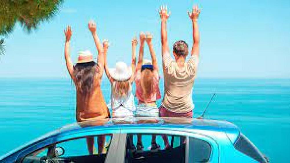 Vacanze estive per metà degli italiani. Meta preferita, il Belpaese. Si viaggia, di più, in automobile